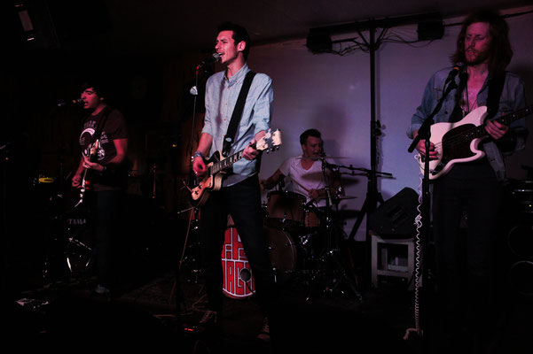 Jipsy Magic @ The Blind Tiger, Brighton - 02/11/13. Credit: Ellis Forer.