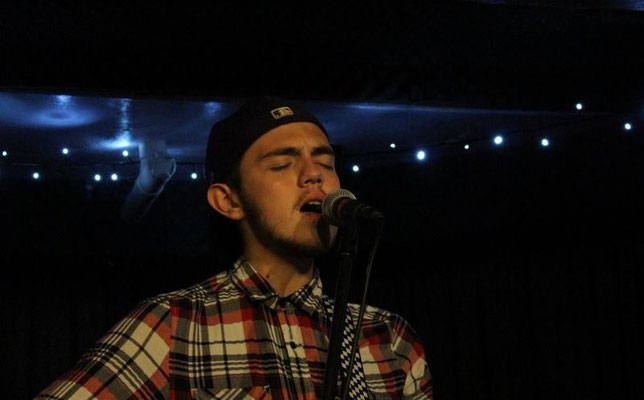 Jack Evans @ The Brunswick, Hove - 03/09/15. Credit: Andy Voakes.