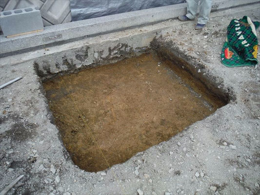 基礎工事掘る