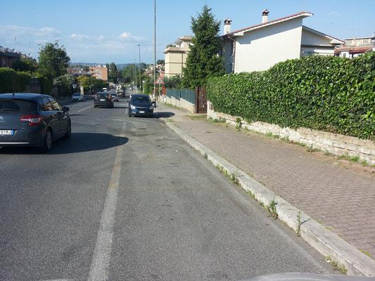 Via Vincenzo Tieri 44 (verso la Via Braccianese)