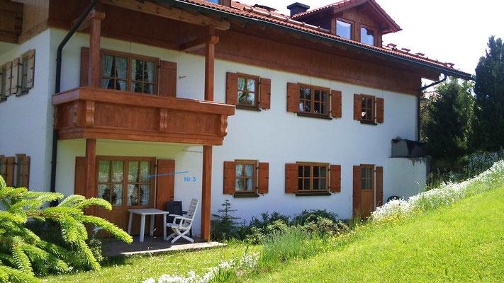 Wertach-Ferienwohnungen.de  Blick auf die Terrasse Ferienwohnung Fuchsbau