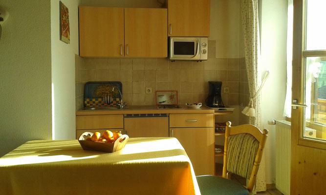 Wertach-Ferienwohnungen.de  Blick auf die Küchenzeile