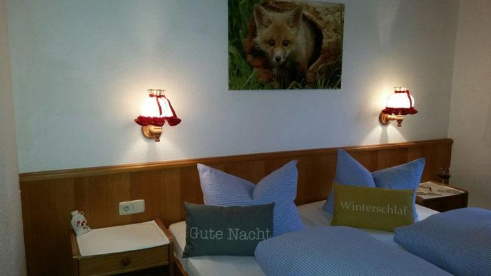 Wertach-Ferienwohnungen.de  Blick ins Schlafzimmer Ferienwohnung Fuchsbau