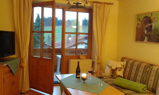 Wertach-Ferienwohnungen.de Blick auf den Balkon von der Ferienwohnung Sonnenschein