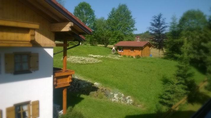 Wertach-Ferienwohnungen.de  Blick auf die Grillhütte Gästehaus Natterhof