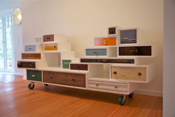 Schubladen Möbel, recycling Möbel, Eco Design, bunte Schubladen