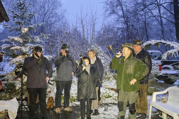 Die DCN-Bläser schafften in der Winterlandschaft ein einmaliges Ambiente