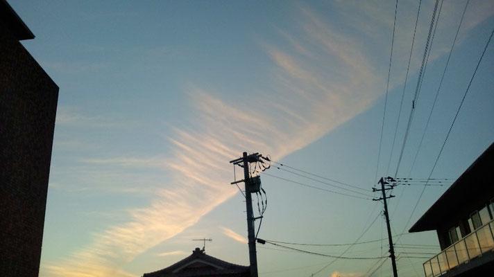 カメラに入りきらないくらい大きな雲