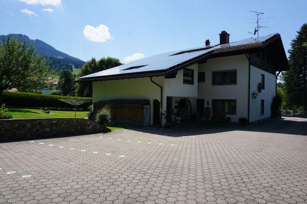 Haus Weidach Hof/Parkplätze