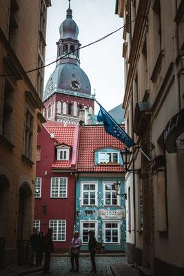 Riga. Gassen, Kirchen, Kopfsteinpflaster. Im Herzen der Stadt wohnen allerdings fast nur Touristen.