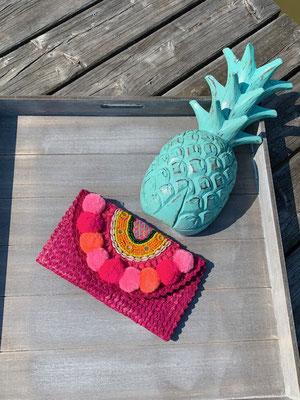 """Clutch """"Beach Pom Pom"""" pink,39€"""