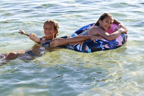 "Shiwi Schwimmring ""Tropical Island""  14,99€"