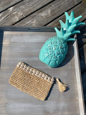 "Clutch ""Simple Seashells"", 32€"