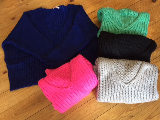 """Pullover """"Kuschelalarm"""", one size, pink ( sold out), black (sold out), grey (sold out), mint 69€"""