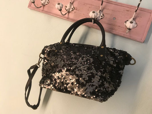 "Bag ""Paillettenlover"", black 49€"
