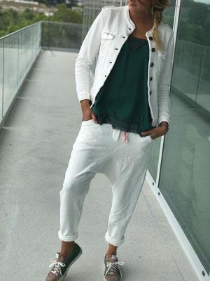 Sweatjacke white, Gr S/M und L/XL, 79,90€
