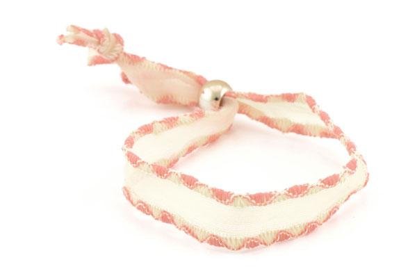 """Armband """"Hug yourself"""", soft pink 9€"""