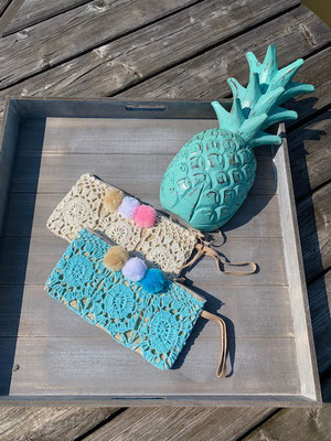 "Clutch ""Crochet Pom Pom"", white and turquoise, 29€"