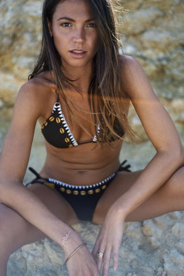 "Melt Bikini ""Seashell"", black, in Gr XS/S/M/L  89,90€"