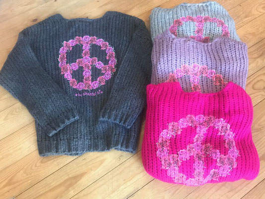 """Cardigan """"Peace"""", one size, in dark grey (sold out)/light grey(sold out)/ pink/soft pink  79€"""
