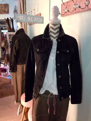 """Jeansjacke """"Cowgirl"""", black, in Gr S (sold out)/M/XL  79,90€"""
