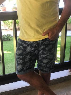 Stretch Short in Gr S/M/L/XL,XXL, erhältlich in navyblue und grey, 49€