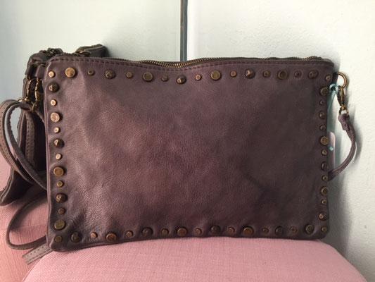Leder Clutch Size M, grey 64,90€