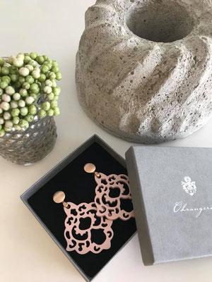Ohrangerie Ohrringe aus Horn, handmade, nude/rosegold, 109€