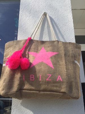 """Badetasche """"Ibiza Star"""", Jute, innen gefüttert, erhältlich in pink und white,  29,90€"""