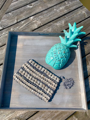 "Clutch ""Seashell allover"" grey,  49€"