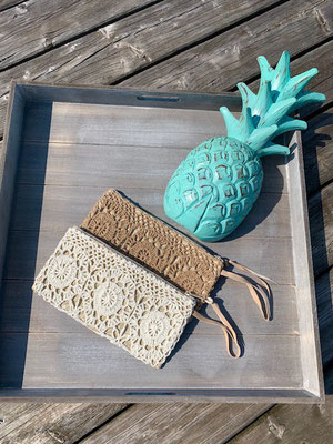 "Clutch ""Crochet"", beige, white   24€"
