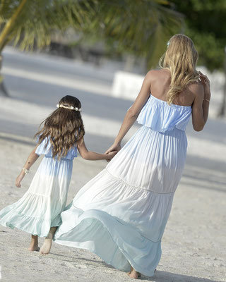 "mele Beach Dress ""Arandano"" Mommy&Daughter in tri blue (sold out) oder tri pink, 75€, Kids Gr 6/8/10/12 59€"