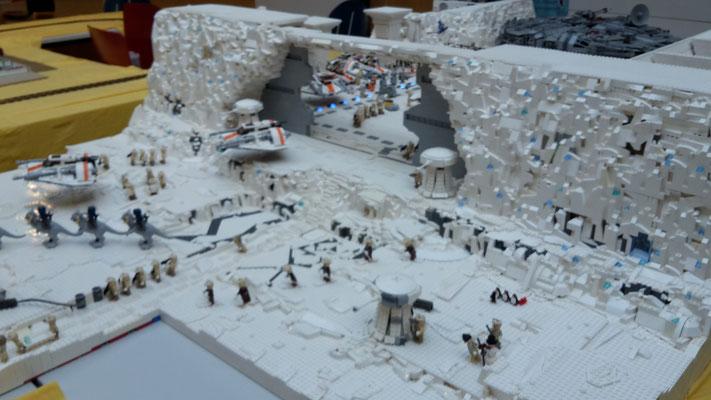 LEGO Star Wars Hoth Rebellen Echo Basis Außen mit Hangar Toren und Türme