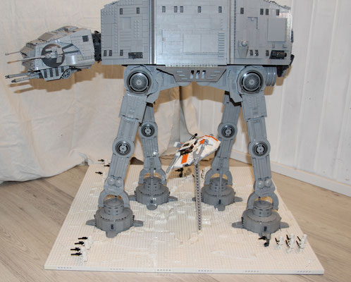 Lego Star Wars AT-AT UCS Version mit Snowspeeder