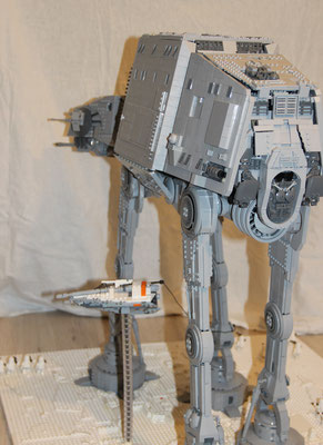 Lego Star Wars AT-AT UCS Version mit Snowspeeder Hinten