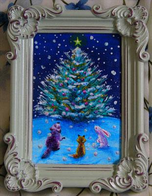 《森のクリスマスツリー》 アンティークフォトフレーム入り12X16cm/ウサギさん、キツネさん、タヌキさん、森のクリスマスツリーに集合です♪(サインはキャンバス生地の裏面です)sold out
