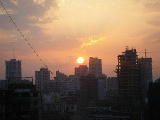 Sunrise over Mumbai- Amanecer sobre Bombay