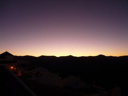 La luz del amanecer, Algatocín 2009.