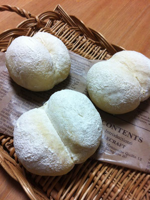 ハイジの白パン、お尻パンとも呼ばれています