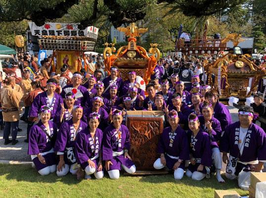 〈GP-19007〉 チコさん:奉祝まつり 神輿パレード・2019年11月9日・コメント:八丈神社神輿を担ぎました!