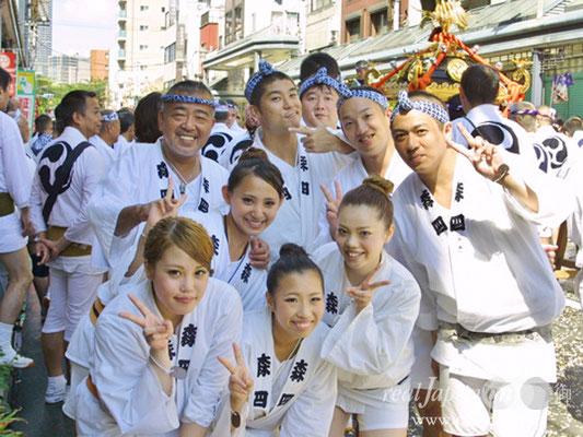 幸輝會さん。三社祭、鳥越まつりなど色々担ぎます!地元は北区滝野川八幡神社。今年は9月3週目が祭りです。