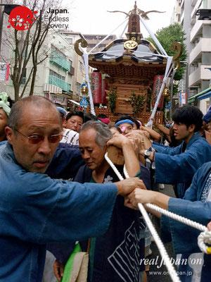 2017年 横浜開港祭 みこしコラボレーション「虎神會」YH17_015