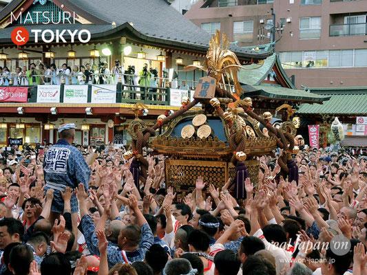 〈神田祭 2017.5.14〉江戸神社奉賛会(旧神田市場) 千貫神輿 ©real Japan'on -knd17-047