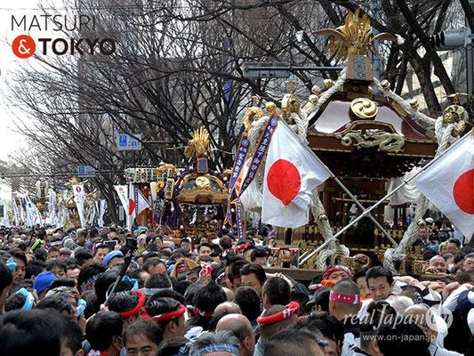 〈建国祭 2018.2.11〉 萬歳會 1(大鳥居) ©real Japan'on : kks18-004
