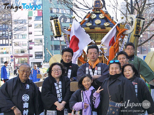 龍稲深川睦さん:祭はみんなで楽しく。日本を盛り上げられるよね。今回も自分たちの神輿で参加。お薦めの祭り?池袋ふくろ祭りと、舎人公園の復興祭だね。