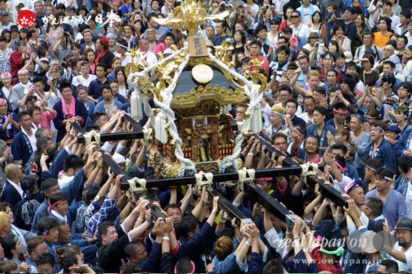 浦安三社祭〈当代島・稲荷神社本社神輿〉差し @2012.06.17