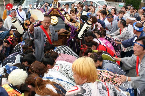 浦安三社祭〈猫実五丁目〉地すり @2012.06.17