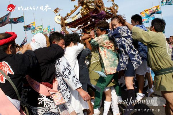 〈羽田まつり・各町神輿連合渡御〉西町 町会