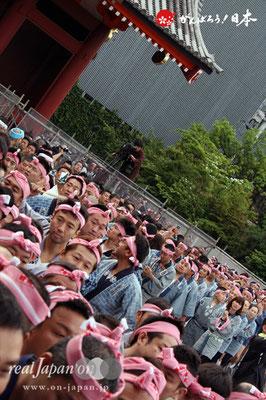 〈三社祭〉一般宮出し担ぎ手入場 @2012.05.20