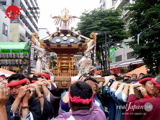 2017年 横浜開港祭 みこしコラボレーション「辰神會」YH17_002